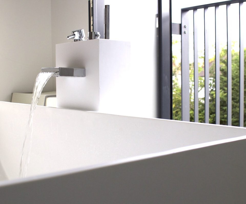 Waterfall tap, bath